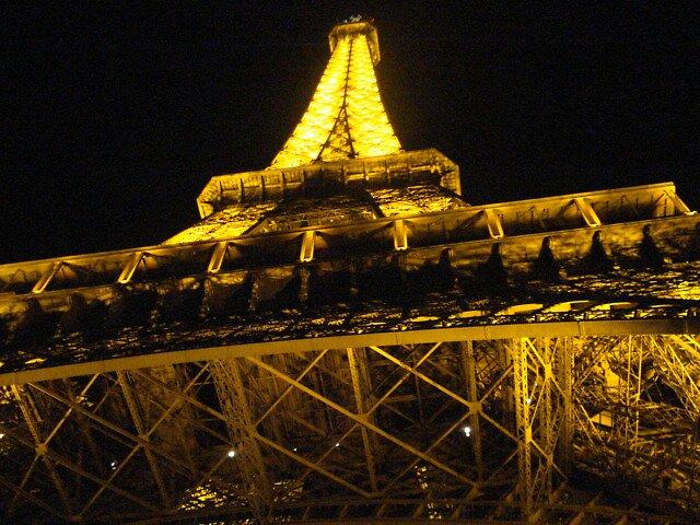 Eiffel Tower by Vikki Briggs