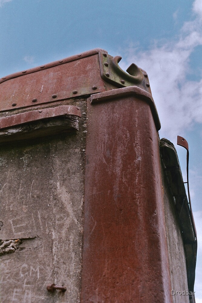 Rusting ship by Drodbar