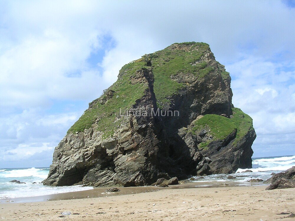A Cornish beach by Linda Munn