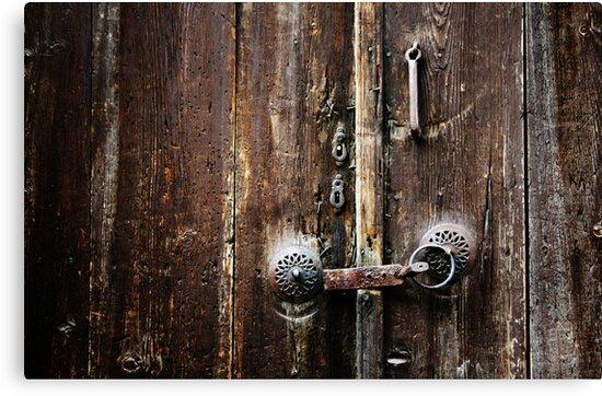 Beypazari Door Handle (Brown) by Josh Wentz