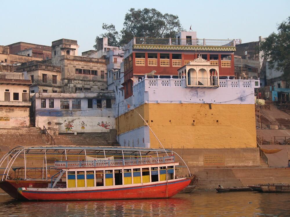 Varanasi at dawn by katreen