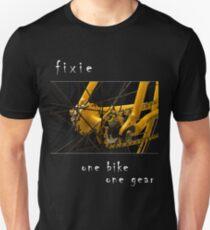 Fixie - one bike, one gear (black) Unisex T-Shirt