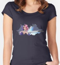 Alisa Women's Fitted Scoop T-Shirt
