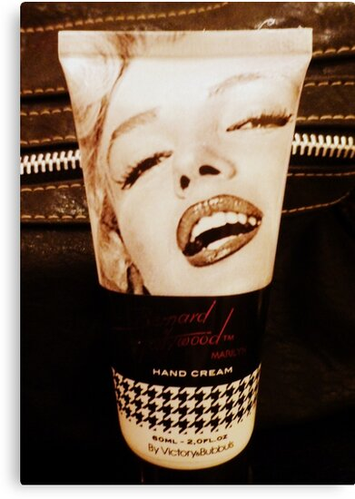 Marilyn handcream by ©The Creative  Minds