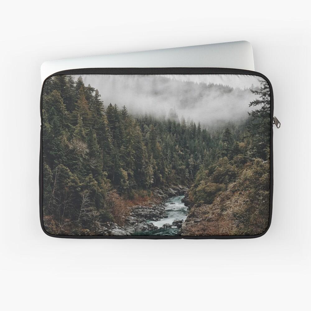 Fluss im Wald Laptoptasche