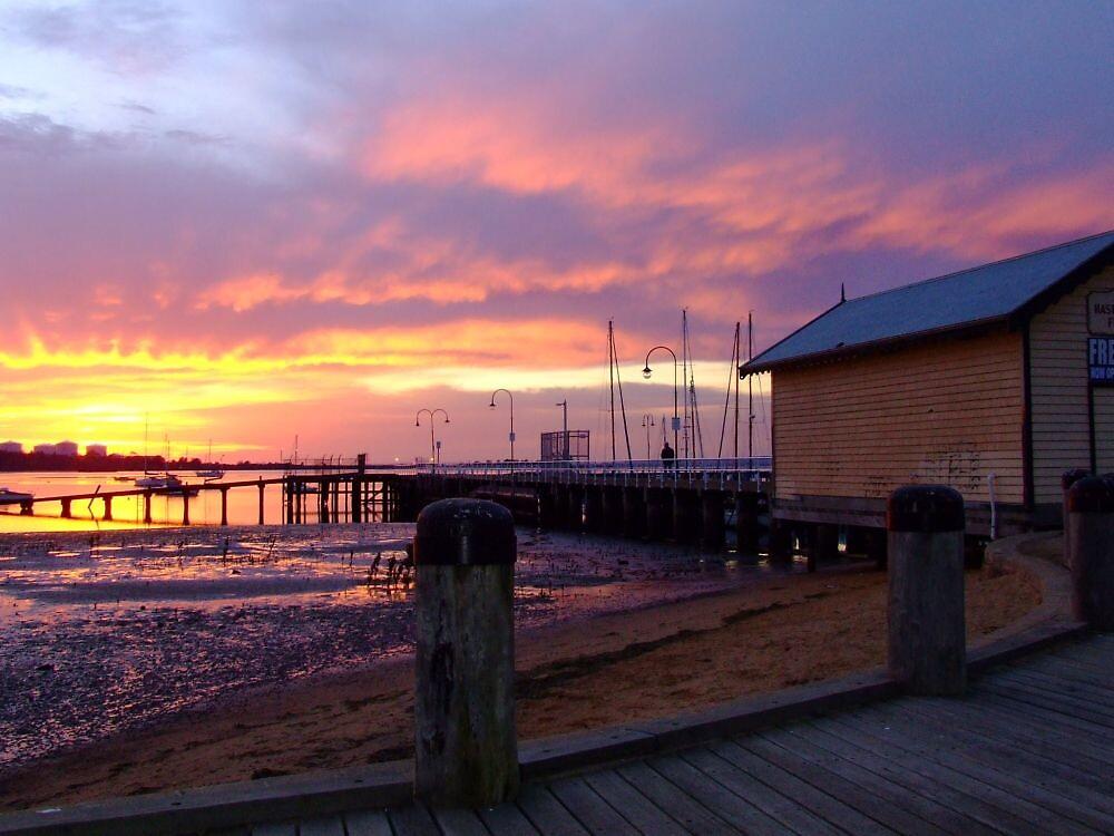 Hastings sunrise by SDJ1