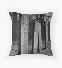 Staggered plots Throw Pillow