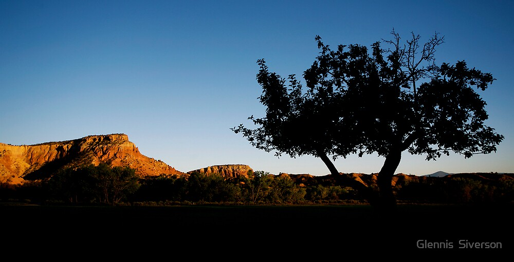 Ghost Ranch Sunset by Glennis  Siverson