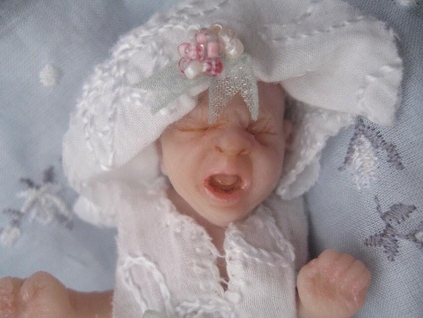 miniature baby dolls by Suryani Shinta