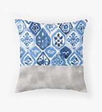 Arabesque tile art - silver graphite Throw Pillow