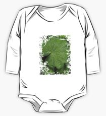 Waterdrops on fresh green Leaf Kids Clothes