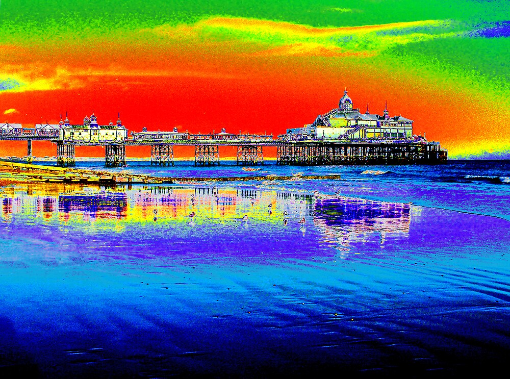 Eastbourne Pier by flyingscot