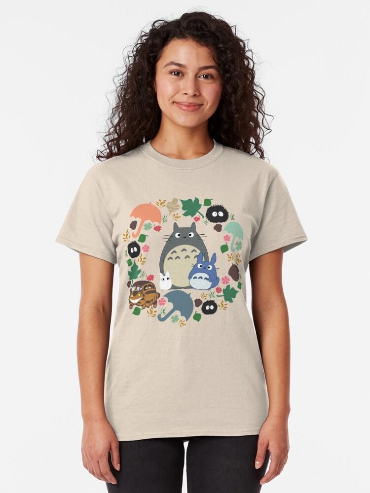 Alternative Ansicht von Mein Nachbar Totoro Kranz - Anime, Catbus, Ruß Sprite, Blau Totoro, Weiß Totoro, Senf, Ocker, Regenschirm, Manga, Hayao Miyazaki, Studio Ghibl Classic T-Shirt
