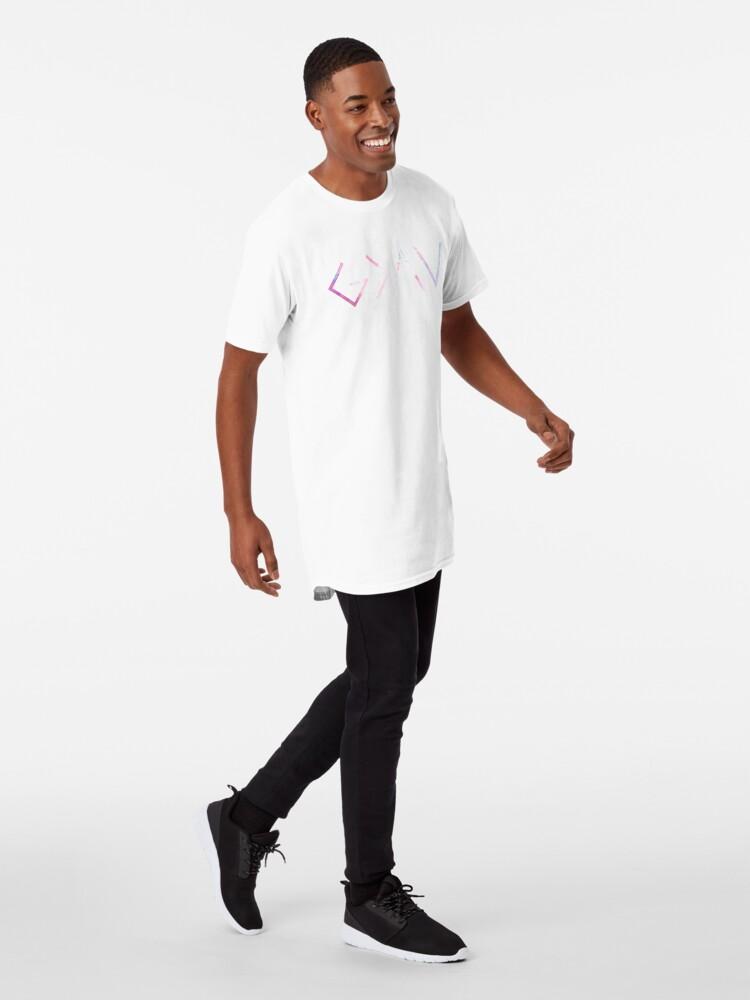 Vista alternativa de Camiseta larga Dios es más grande que los altibajos