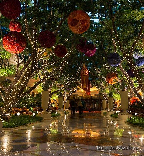 Sparkling, Merry, Exuberant Decorations by Georgia Mizuleva