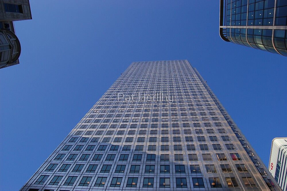Reach for the sky - Canary Wharf, London by Pat Herlihy