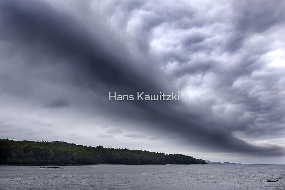 0960 Long Black Cloud  by Hans Kawitzki