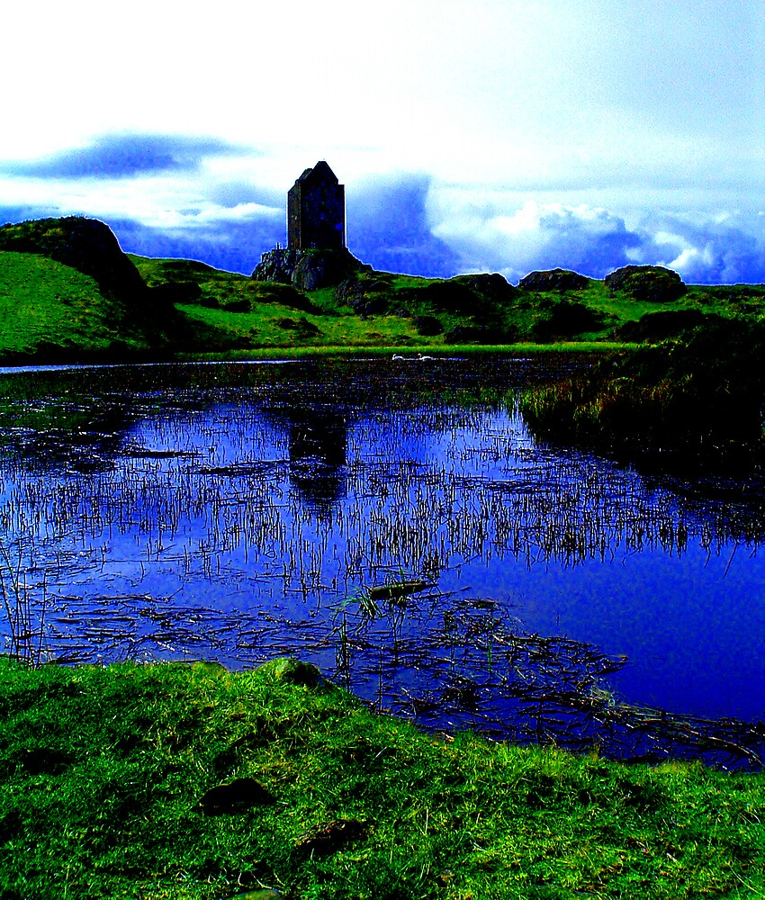 Smailholm Tower by Puffling