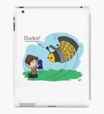 Eleventh Doctor vs a Dalek ... Peanuts Style iPad Case/Skin