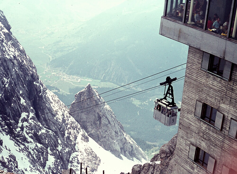 Per Gondola to the top of the Zugspitze by bertspix