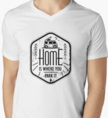 Home is where you park it vanlife camper art T-Shirt mit V-Ausschnitt für Männer