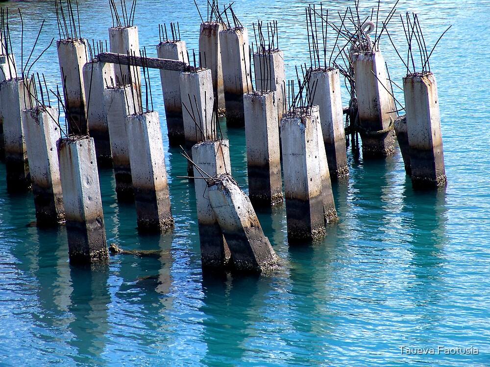Pier Graveyard by taueva faotusia