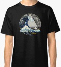 Hokusai - Great Wave Off Kanagawa Colorful Triangle Round Geometric Pattern Classic T-Shirt