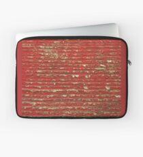 Abgebrochenes Rot gemaltes Holz Laptoptasche