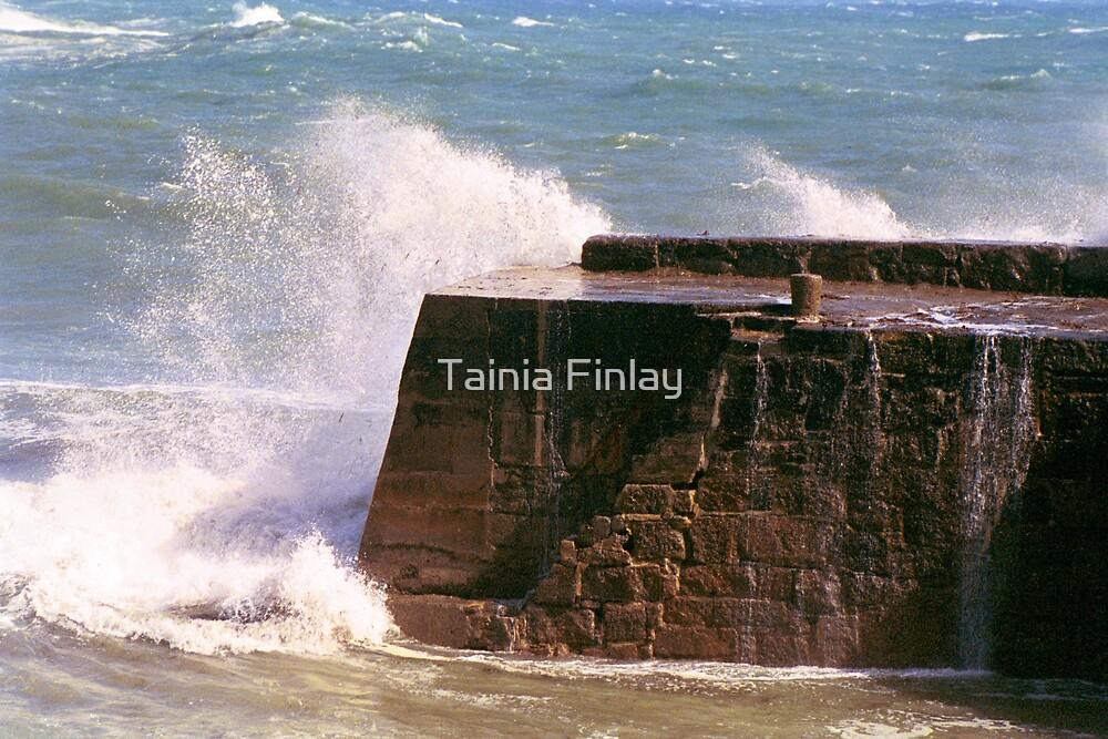 Lamorna Cove by Tainia Finlay
