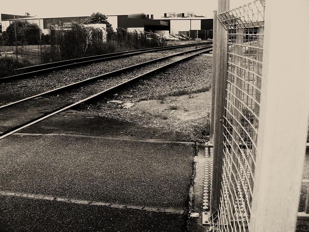 train tracks 2 by xXDarkAngelXx