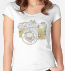 TRAVEL CAN0N Women's Fitted Scoop T-Shirt