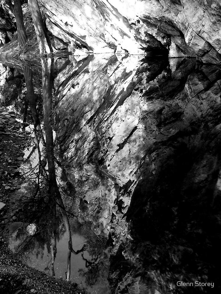 Abercrombie Caves.2 by Glenn Storey