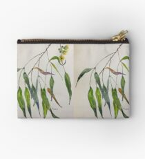 Gum leaves - Botanical illustration Studio Pouch
