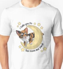 Fish - To the moon and back Unisex T-Shirt