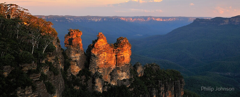 Sisters Stickin Together - The Blue Mountains - The HDR Series by Philip Johnson