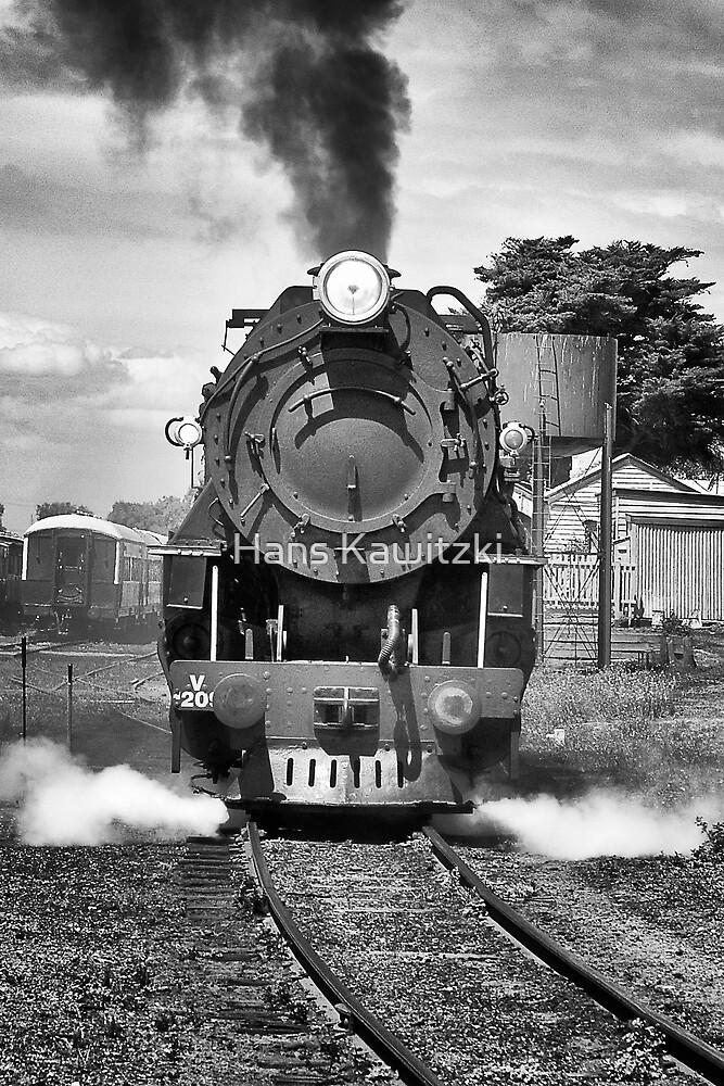 004 Under Steam by Hans Kawitzki