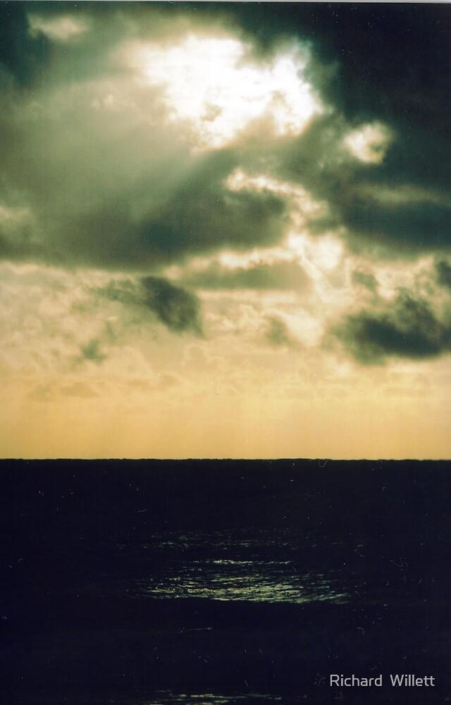 Sunrise over Pacific Ocean by Richard  Willett