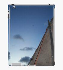 Moonlit Sail iPad-Hülle & Klebefolie