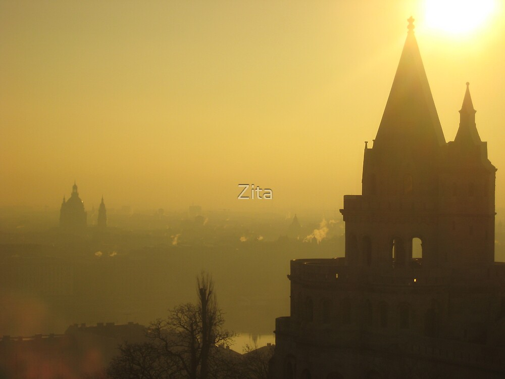 Budapest early hours by Zita