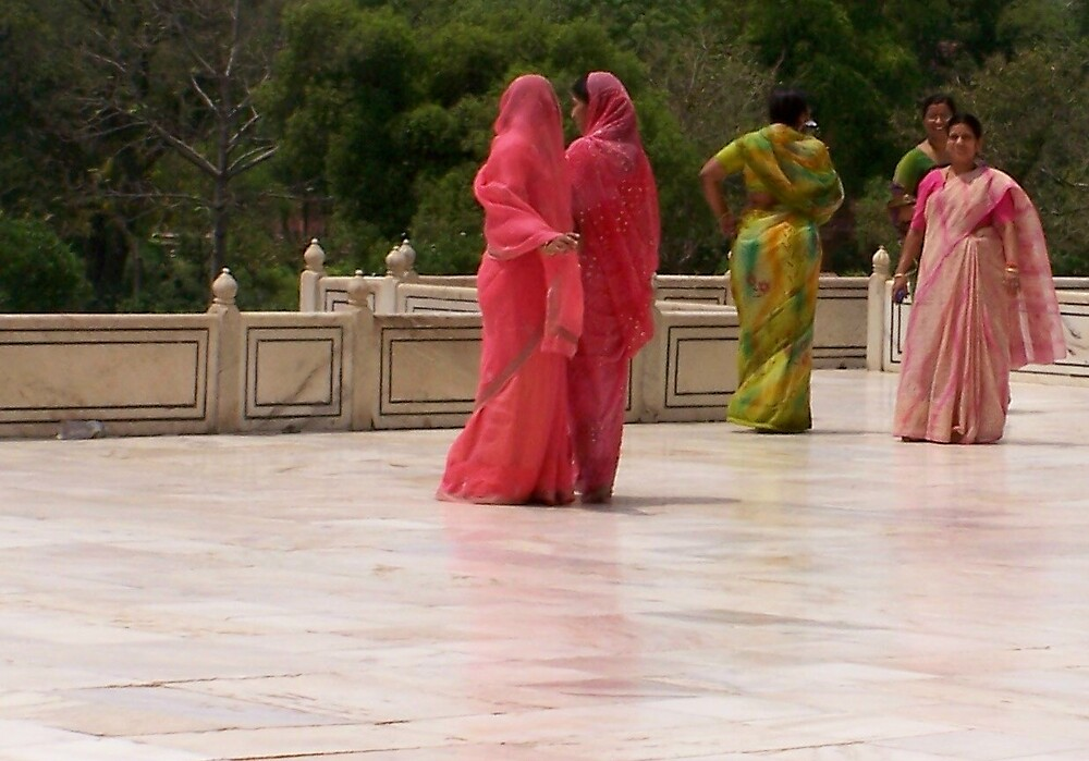 Traditional Hindu women at the Taj Mahal by Carrie Norberg