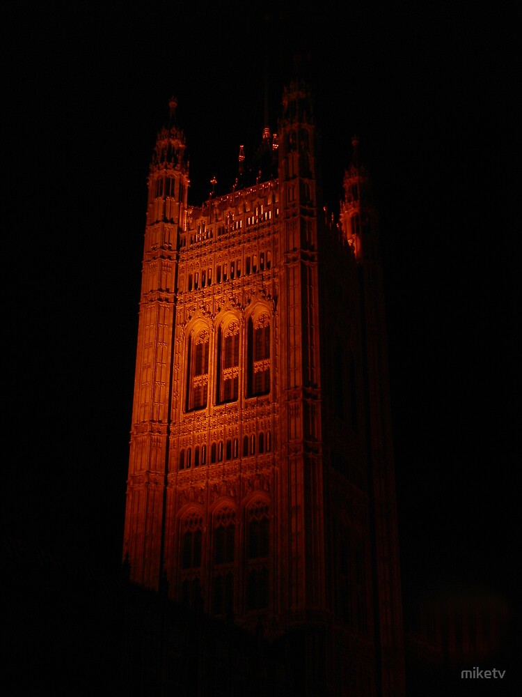 London At Night by miketv
