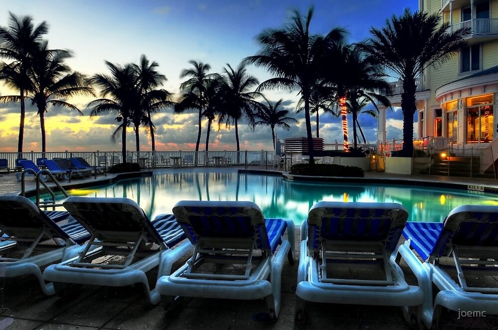 Pelican Grand Hotel by joemc