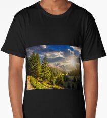 valley between at sunset Long T-Shirt