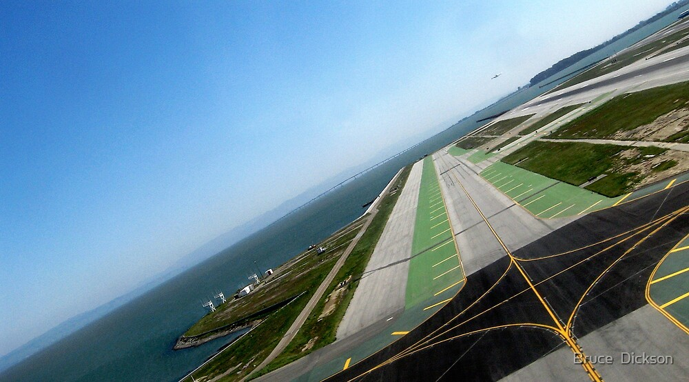 landing pattern by Bruce  Dickson