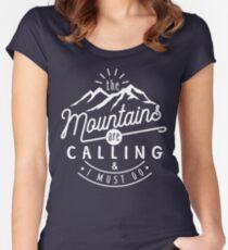 Camiseta entallada de cuello redondo Las montañas están llamando y debo irme