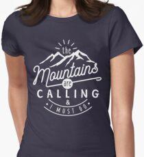 Camiseta entallada para mujer Las montañas están llamando y debo irme