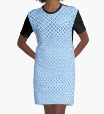 Overlapping Circle Pattern Graphic T-Shirt Dress