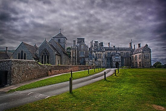 St Mary Church and Wiston House by Dave Godden