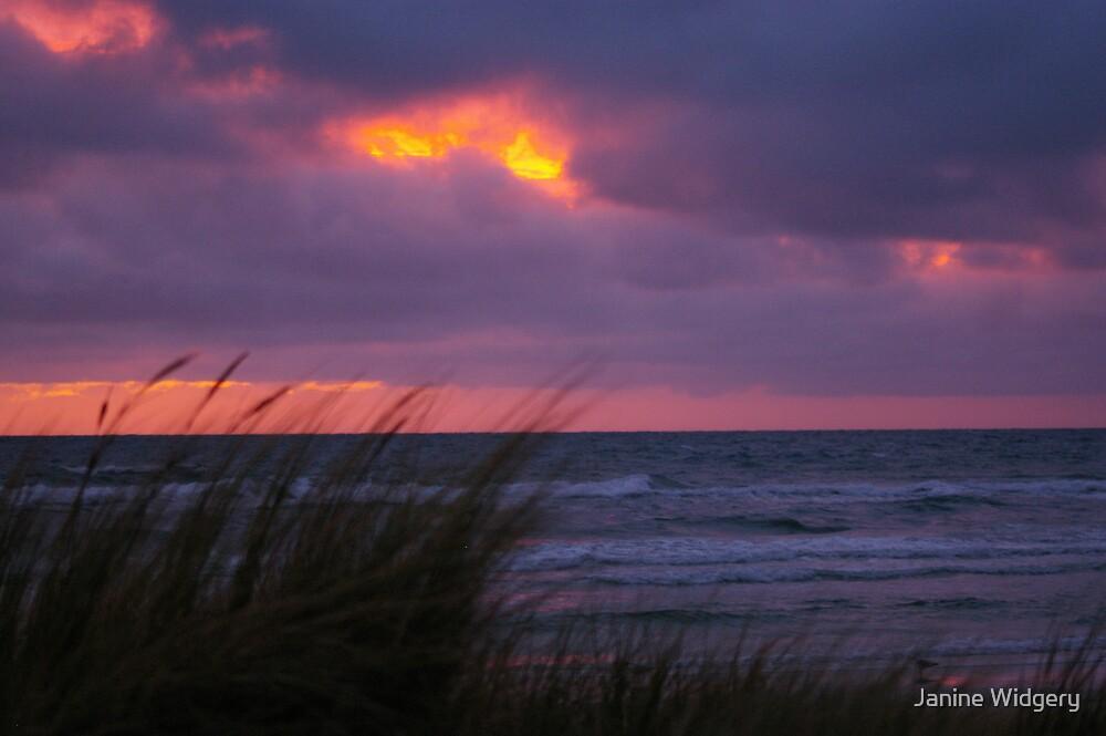 Sunset over Bonbeach by Janine Widgery