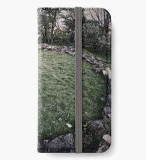 STANDING STONE HUT CIRCLE iPhone Wallet/Case/Skin